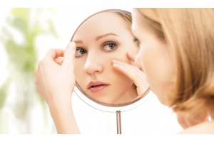 4 Signs of Aging Skin and How to Remedy Them